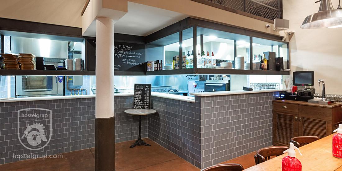 restaurant-la-puntual-barcelona-hostelgrup