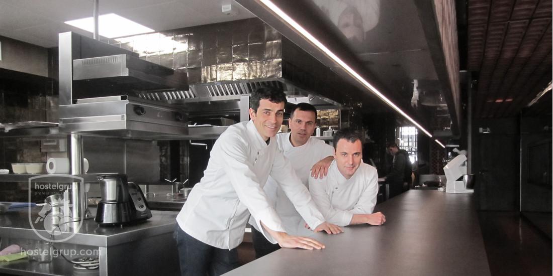 Restaurante-Disfrutar-en-Barcelona-Edaurd-Xatruc-Oriol-Castro-Mateu-Casanyes-HostelGrup